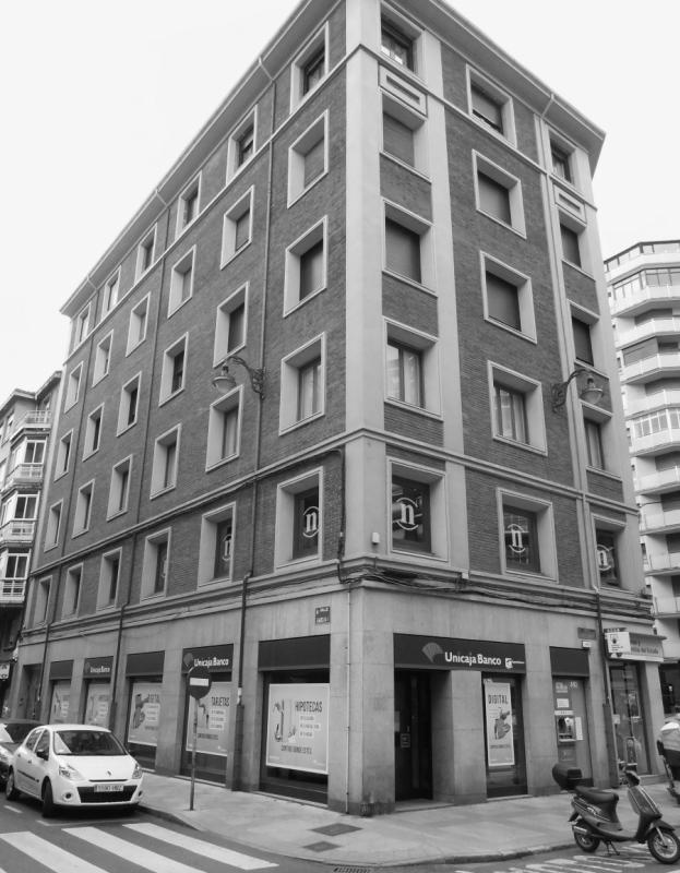 EDIFICIO C/ REPÚBLICA ARGENTINA nº 12