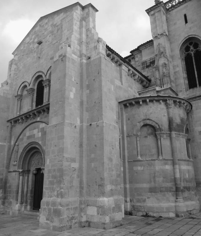 COLEGIATA DE SAN ISIDORO